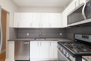 5 1/2  rénové - coin CDN / Queen Mary - new kitchen and bathro