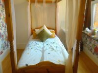 SINGLE WOODEN FOUR POSTER BED