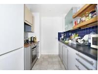 3 bedroom flat in Naylor Building West, E1