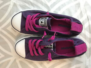 ***CONVERSE SHOES FOR GIRLS SIZE 13 WORN ONCE!!!