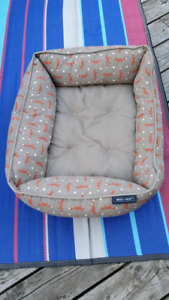 Reece and Riley luxury pet bed