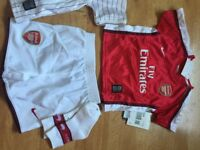 Football outfits Arsenal 6 to 9 months new