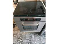 Cooker with seperate hob and oven