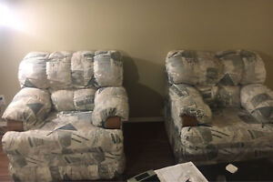 Comfortable couch chairs