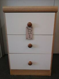 Small chest of 3 drawers