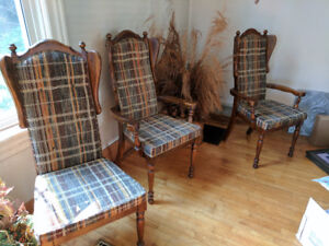 Set of chairs for dining table