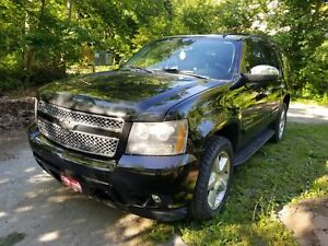 2008 Chevrolet Tahoe LTZ DVD + Sunroof + Certified
