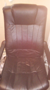 Computer chair. Fine Condition. 10$