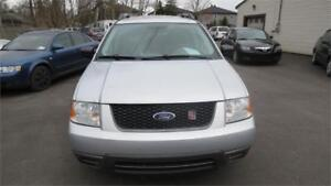 2005 Ford Freestyle SE awd 7 places