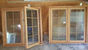 2 fenetres/windows bois/wood neuves/new  ~4x4