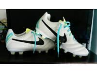 Nike Tiempo football boots size 5.5 Junior