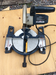 Ryobi 14A 5000RPM 10 inch compound saw with almost new blade