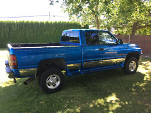 2001 Dodge Ram Cummings Diesel 2500 SLT Laramie Pickup Truck