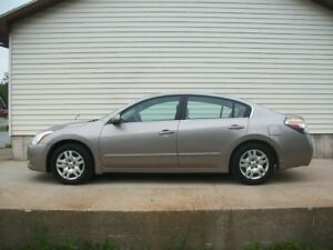 2012 Nissan Altima SMOOTH DRIVING CAR IN GREAT SHAPE