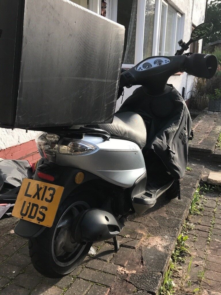 piaggio fly -125cc scooter for sale £850 | in brentford, london