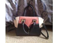 Ladies New Look medium size handbag good condition