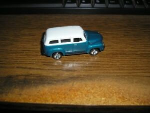JOHNNY LIGHTNING 1950 CHEVY SURBUBAN