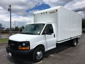 2014 GMC Savana Commercial Cutaway LOW KMS CLEAN A/C