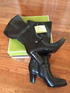 Naturalizer wide shaft black boots. Size 5.5. Tags attached.