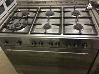 Large gas cooker 6 burners