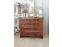 Beautiful Victorian bow fronted chest of drawers