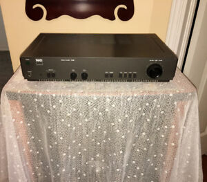 """Compact NAD 25 WPC Stereo Amplifier """"Giant Killer""""3125"""