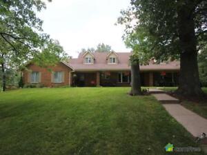 $799,000 - Acreage / Hobby Farm / Ranch for sale in Thamesville