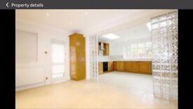 6 bedroom house in Grove Park 15 Grove Park, London, E11