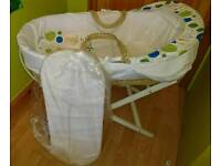 Baby Moses basket & stand & New mattress. Excellent condition