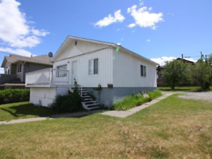 Westend downtown house with large yard for rent