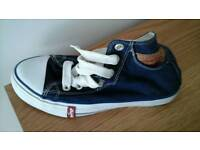Levis trainers approx size 3