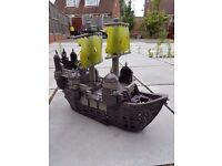 KIDS TOY PIRATE SHIP - LARGE MODEL