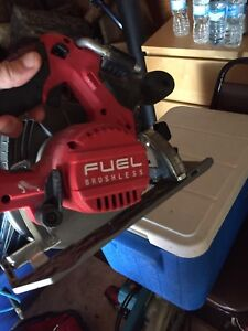 Miluakee m18 fuel circular saw MUST GO TODAY