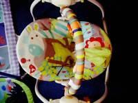 Baby swinging chair
