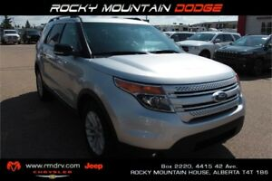 2012 Ford Explorer XLT 4x4 / Panoramic Roof / Back-Up Camera