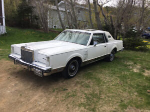 Selling - 1982 Lincoln Continental Mark V1