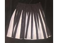 Ladies Emporio Armani skirt. Size 12-14. £80