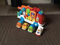 VTech Toot Toot Drivers Car Carrier + 4 Toot Toot Cars