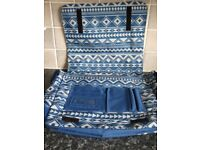 MESSENGER / BOOK BAG by IT LUGGAGE- BNWT - IDEAL FOR UNI, SCHOOL OR WORK - STRONG & LIGHTWEIGHT