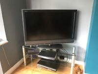 Sony Bravia 39 inch TV with stand