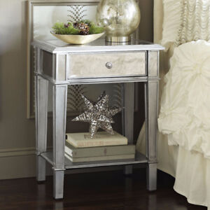 Gorgeous mirrored silver nightstand, excellent condition