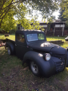 !!REDUCED!!   1947  DODGE  ( GREAT PROJECT )