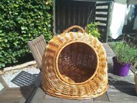 Wicker cat basket, vgc