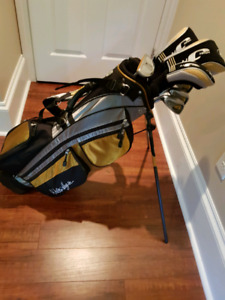Jr. Set of left handed golf clubs with bag like new condition