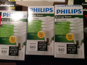 CFL/HALOGEN BULBS PHILIPS AMPOULES /FLUORESCENT -  NEW IN BOX