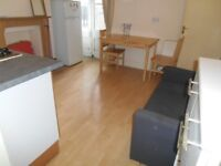 BILLS INCLUDED! EXCELLENT 1 BEDROOM GARDEN FLAT NEAR ZONE 3/2 NIGHT TUBE, HIGH ROAD, BUSES & SHOPS