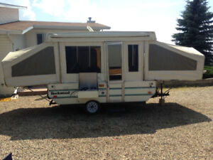 Great shape tent trailer big and roomy
