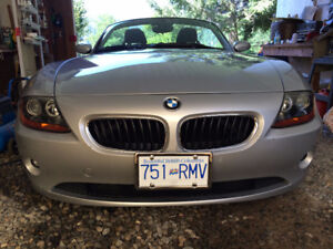 A must see 2003 BMW Z4 Convertible