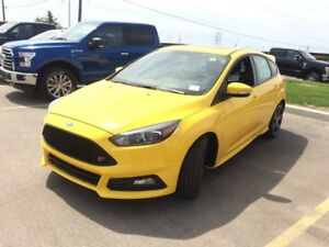 "2017 Ford Focus ST ST, High performance, 401a Tech Pkg, 18"" whee"
