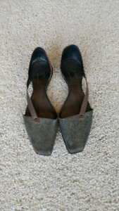 Versatile Multi grey Cydwoq shoes $175CD